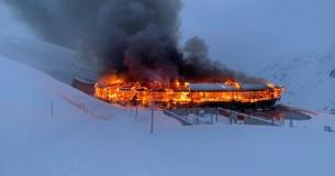 Brand verwoest museumcollectie van het Motorcycle Museum aan de voet van de Timmelsjoch