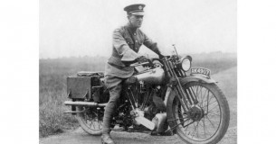 Hommage aan een held: Brough Superior Lawrence